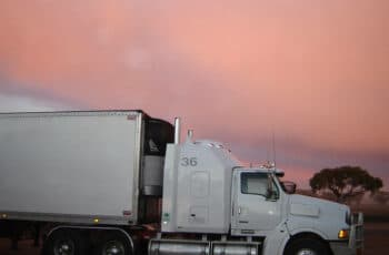 Why Should I Hire A Freight Broker in Houston